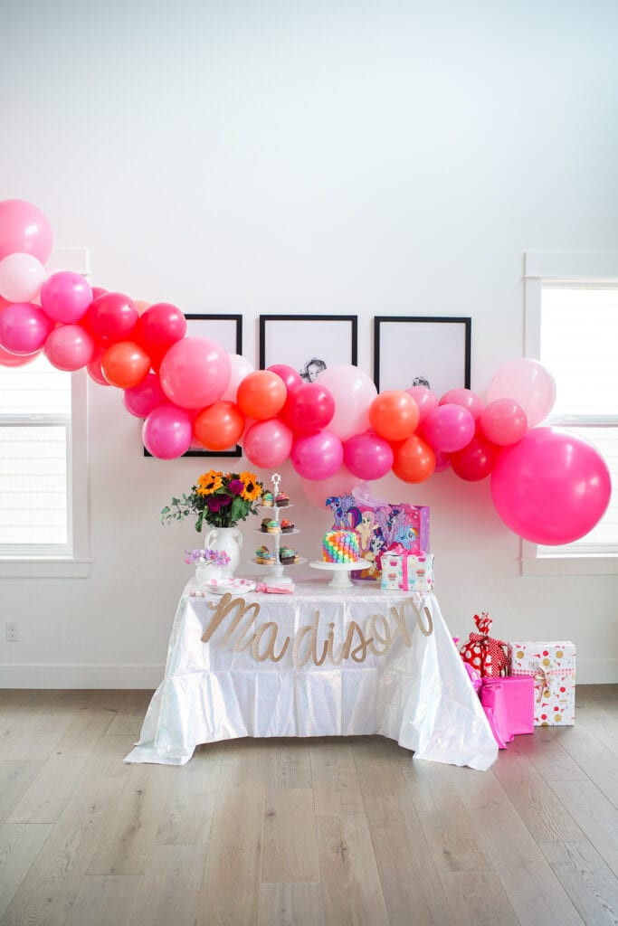 How To Make The Easiest Balloon Garland Ever Easy Balloon Garland Diy Tutorial